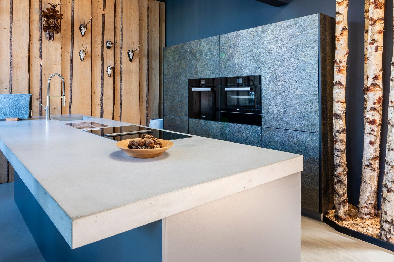 Schwarzwald Küche aus Stein